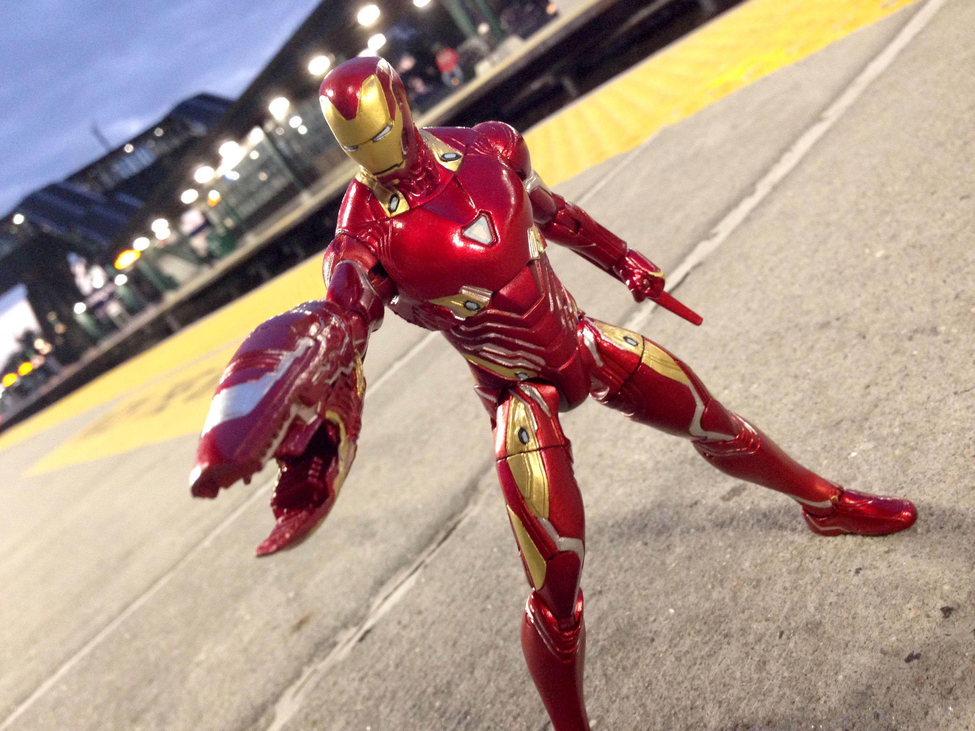 Link a Iron-Man-MK-50-Marvel-Select-0009