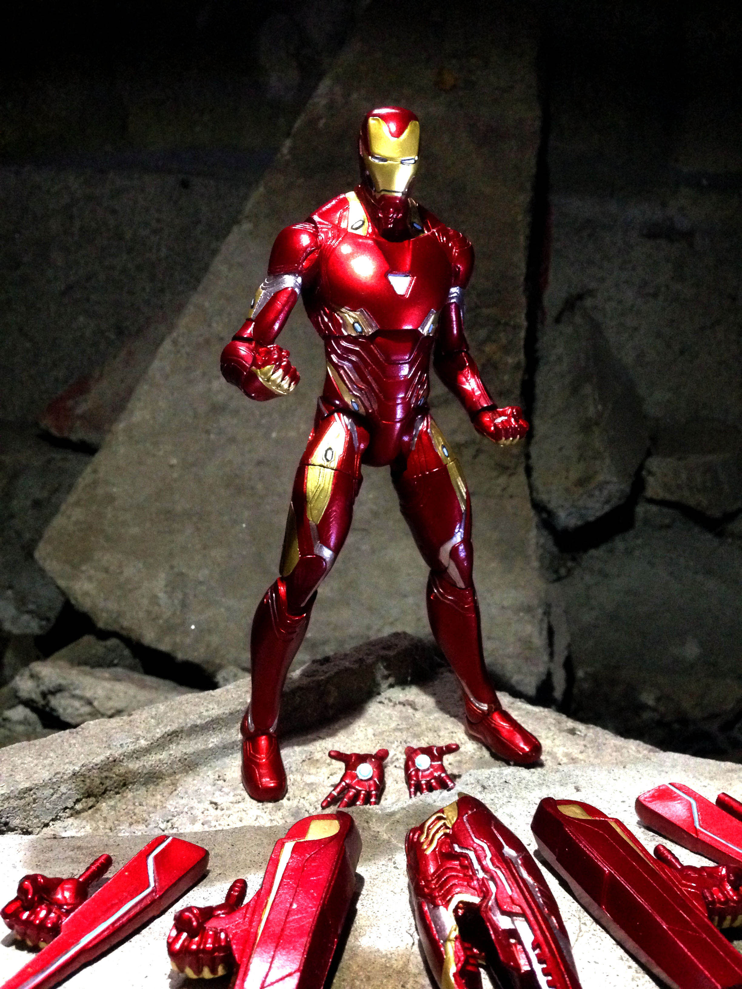Link a Iron-Man-MK-50-Marvel-Select-0010