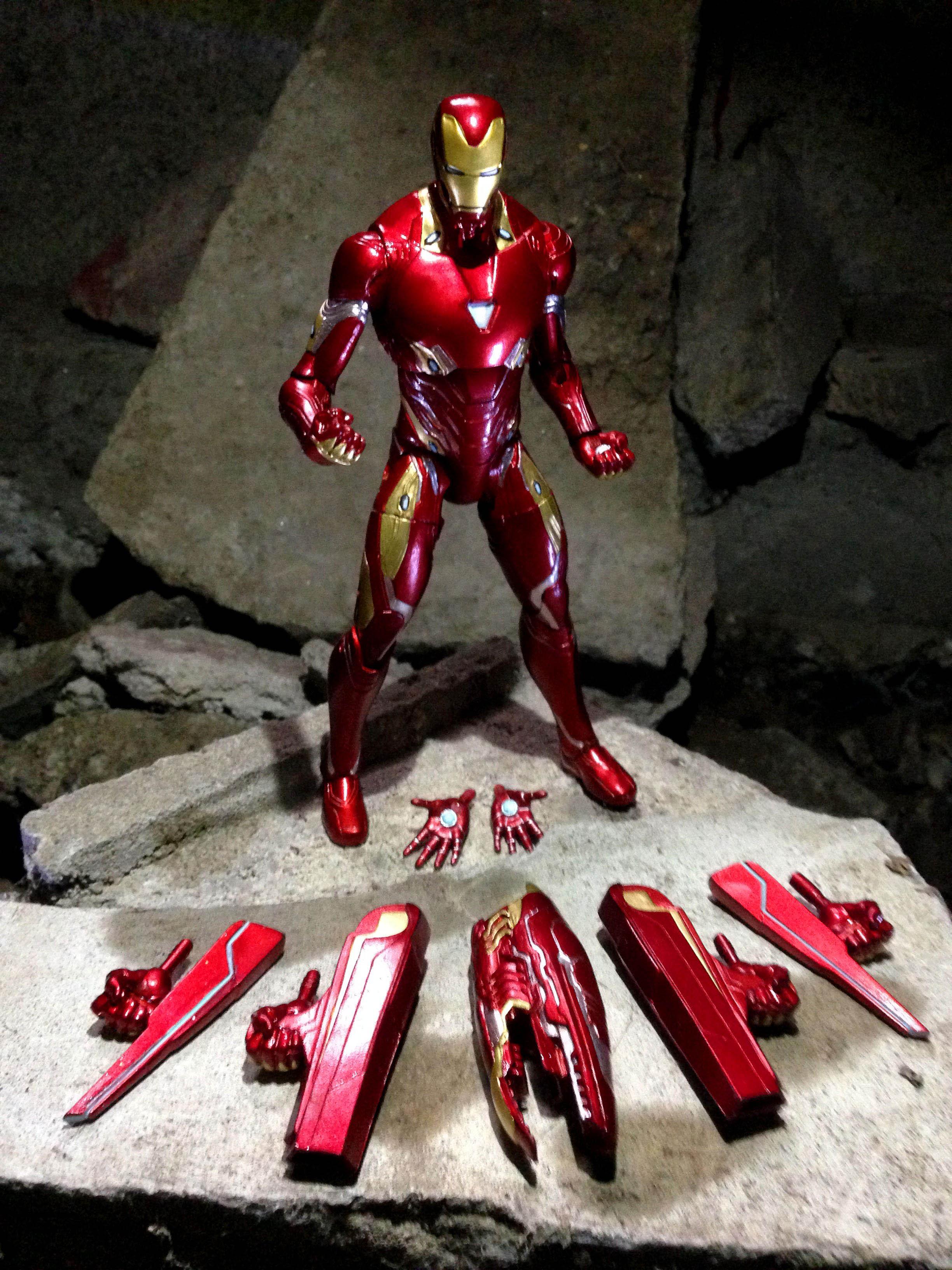 Link a Iron-Man-MK-50-Marvel-Select-0011