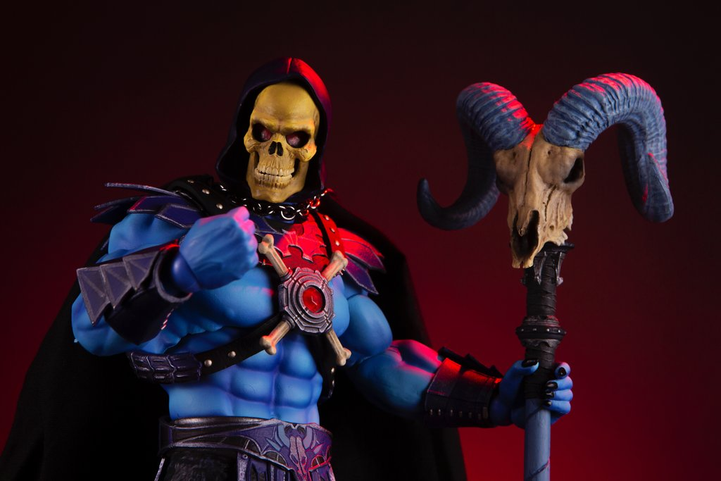 Link a Mondo-MOTU-Skeletor-002