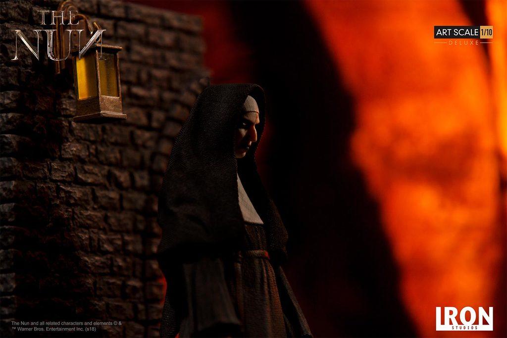 Link a Iron-Studios-The-Nun-Deluxe-Statue-007