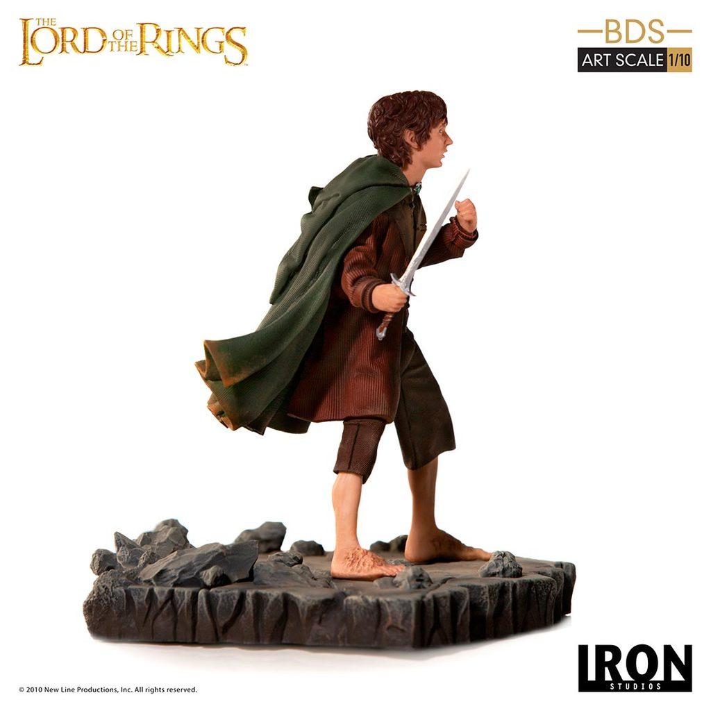 Link a Iron-Studios-Frodo-Statue-002
