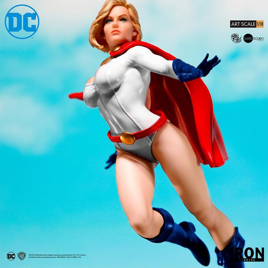 Link a Iron-Studios-Power-Girl-Statue-007