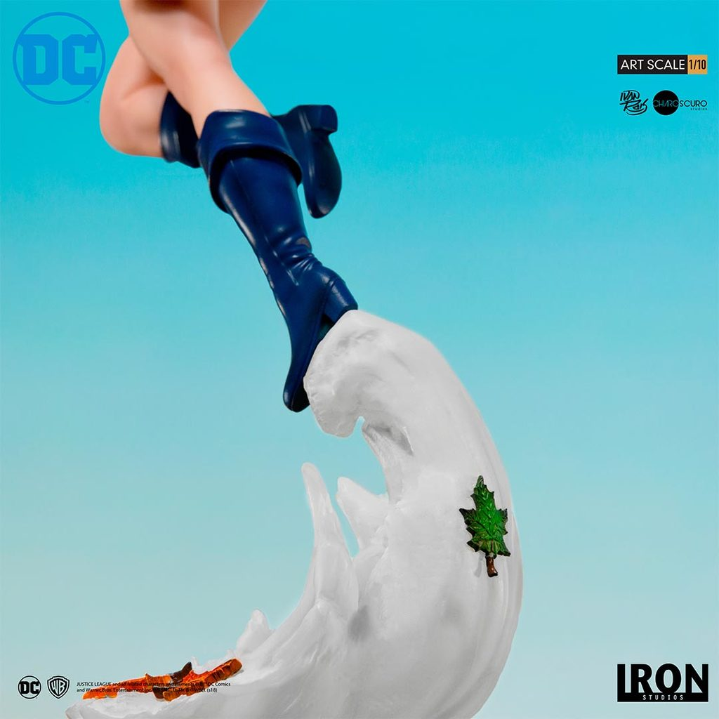 Link a Iron-Studios-Power-Girl-Statue-011