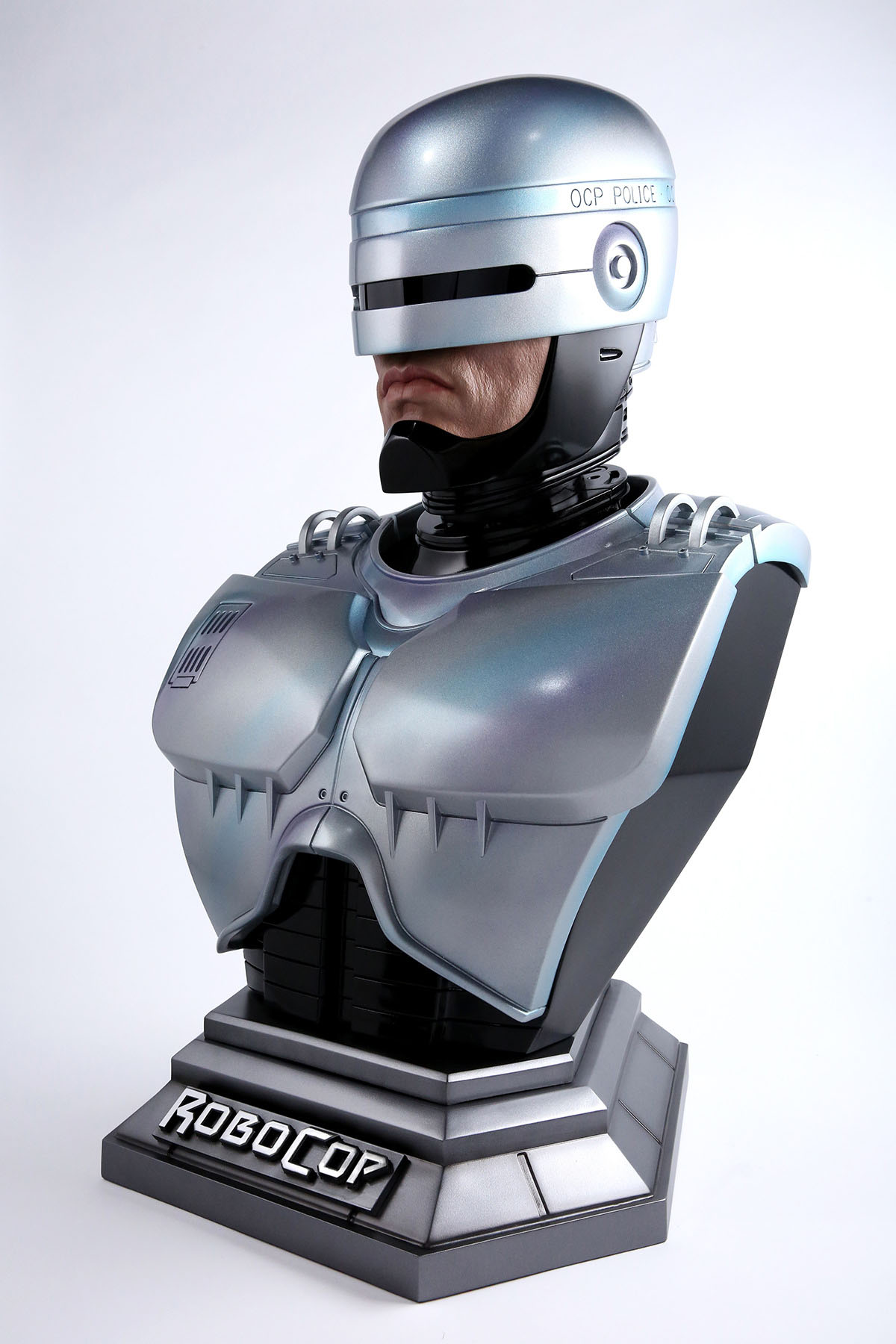 Link a Chronicle-Robocop-Life-Size-Bust-002