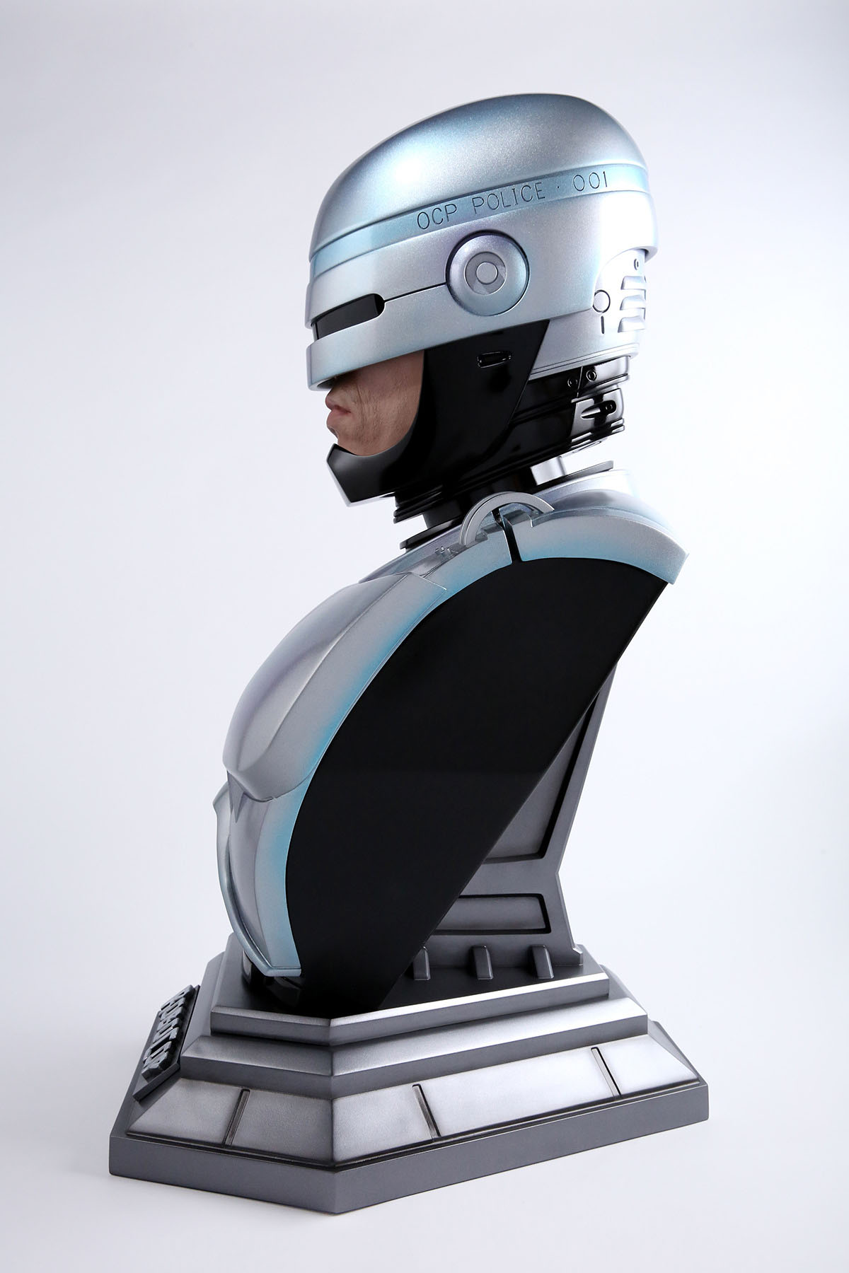 Link a Chronicle-Robocop-Life-Size-Bust-003