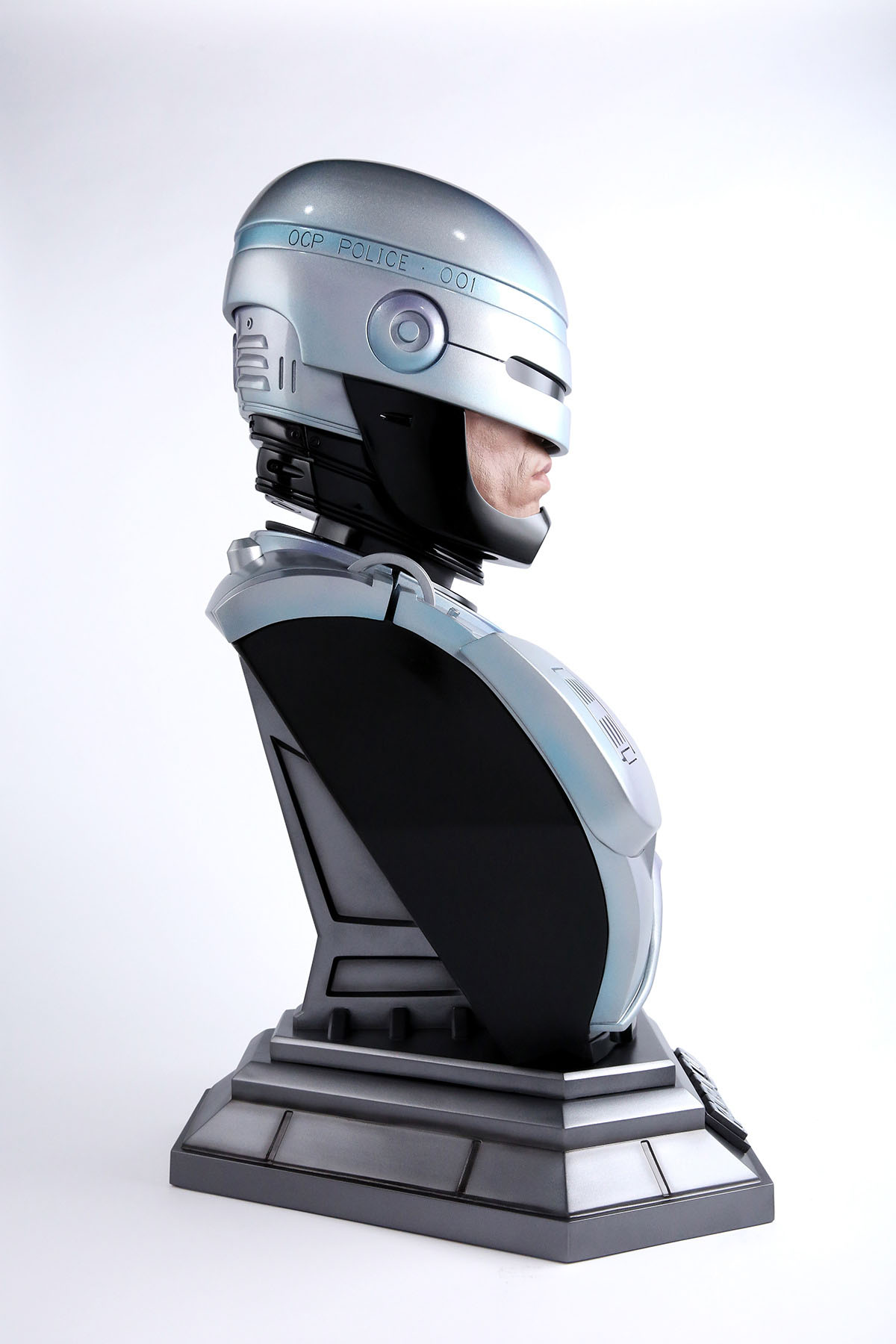 Link a Chronicle-Robocop-Life-Size-Bust-006