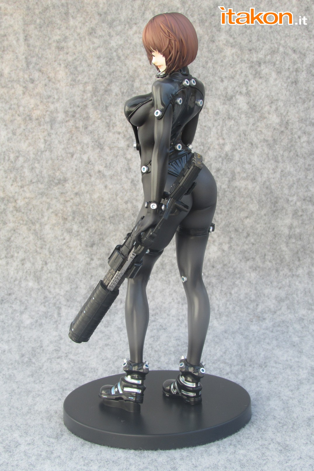 Link a Recensione review Yamasaki Anzu X Shotgun ver. da Gantz 0 di Union Creative International Ltd Itakon.it 18