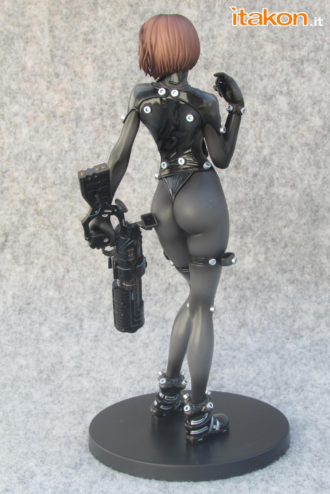Link a Recensione review Yamasaki Anzu X Shotgun ver. da Gantz 0 di Union Creative International Ltd Itakon.it 19