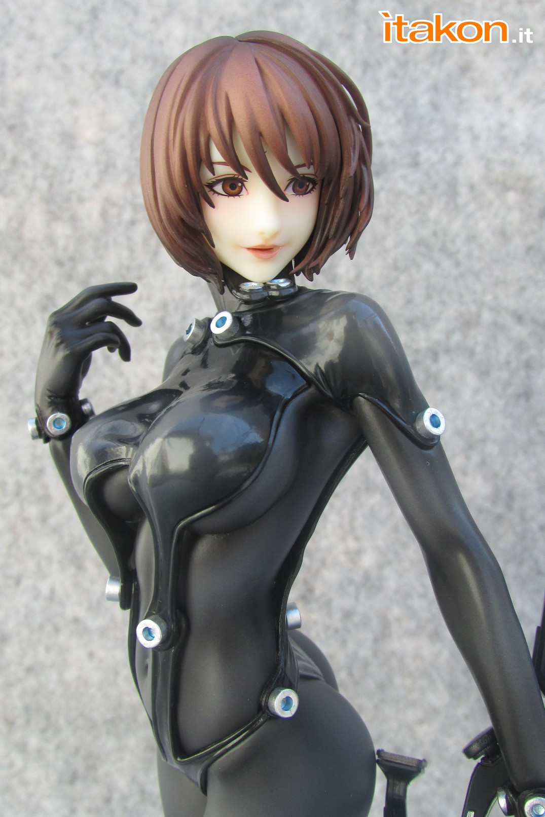 Link a Recensione review Yamasaki Anzu X Shotgun ver. da Gantz 0 di Union Creative International Ltd Itakon.it 29