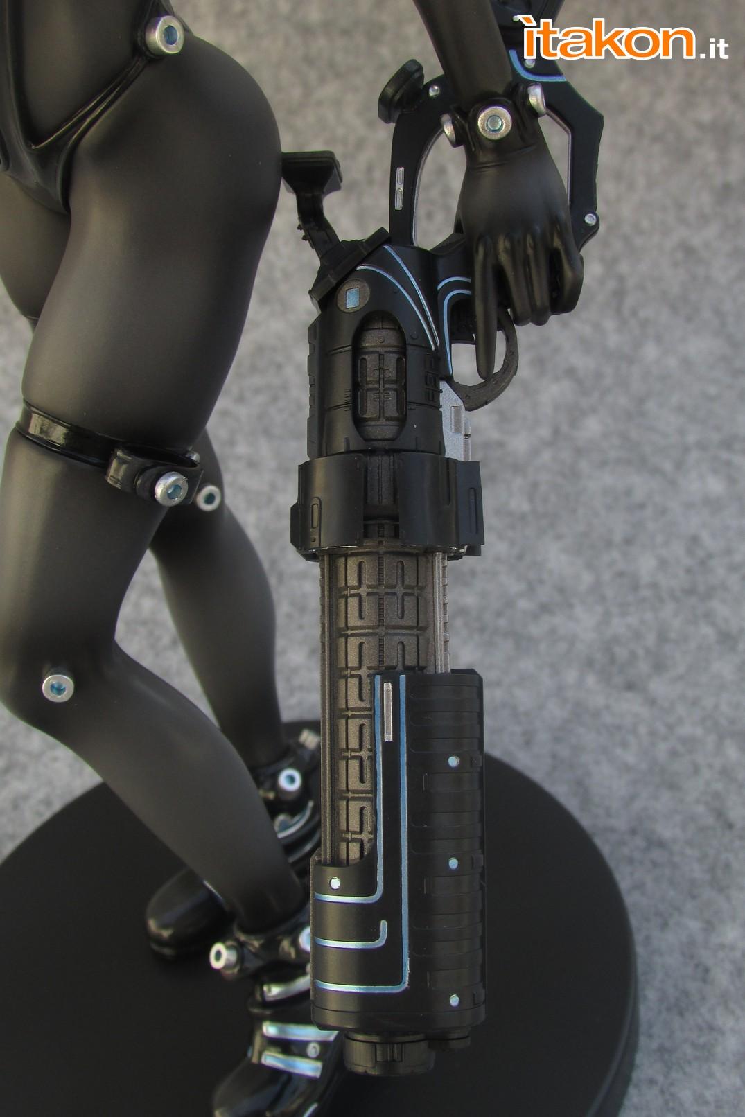 Link a Recensione review Yamasaki Anzu X Shotgun ver. da Gantz 0 di Union Creative International Ltd Itakon.it 36