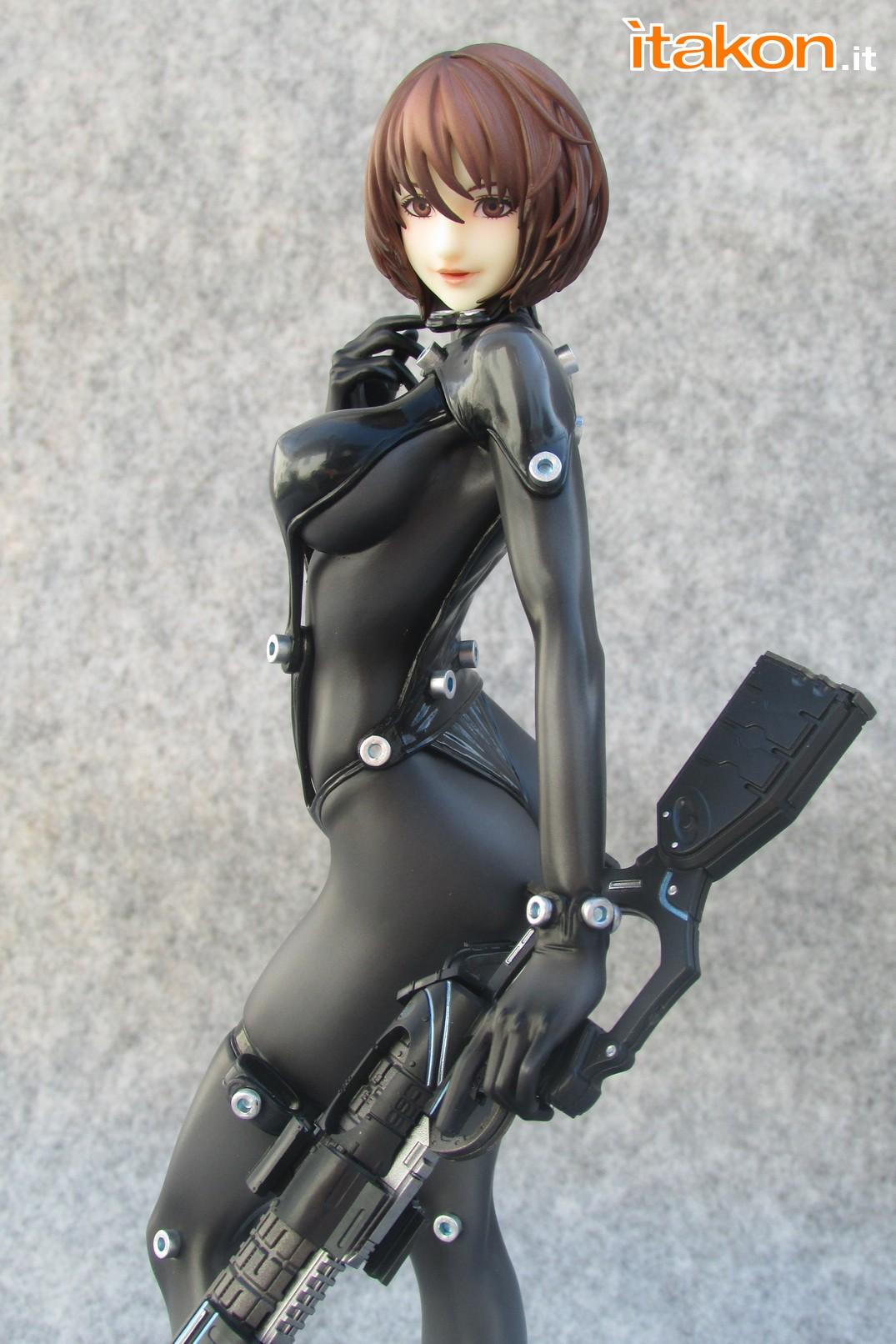 Link a Recensione review Yamasaki Anzu X Shotgun ver. da Gantz 0 di Union Creative International Ltd Itakon.it 45