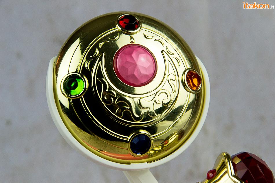 Link a Recensione – Henshin Brooch Bandai -8