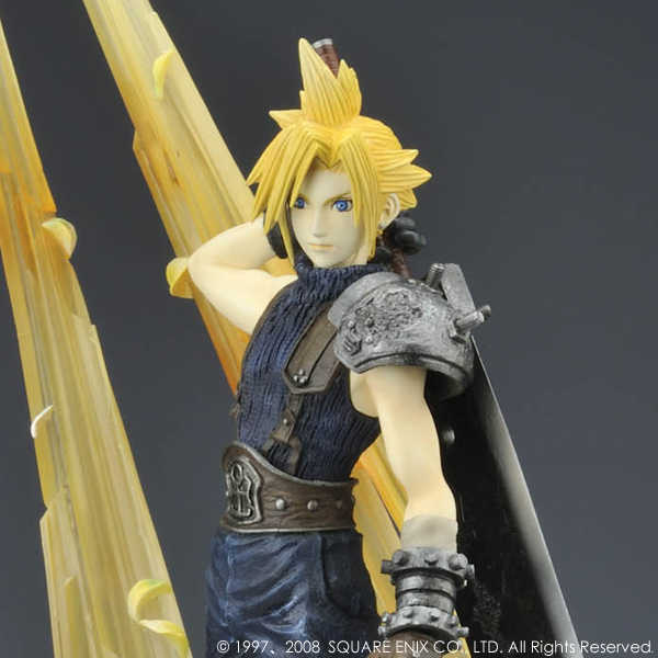 Link a Cloud Strife Final Fantasy VII Itakofocus figure Itakon.it 15