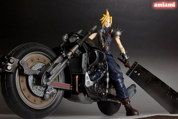 Link a Cloud Strife Final Fantasy VII Itakofocus figure Itakon.it 28