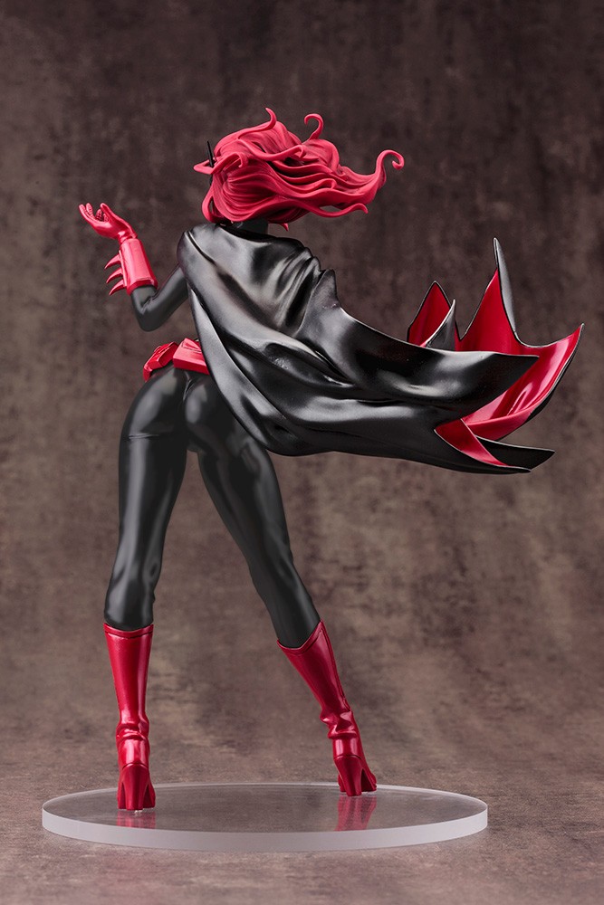 Link a Koto-Batwoman-2nd-Edition-003