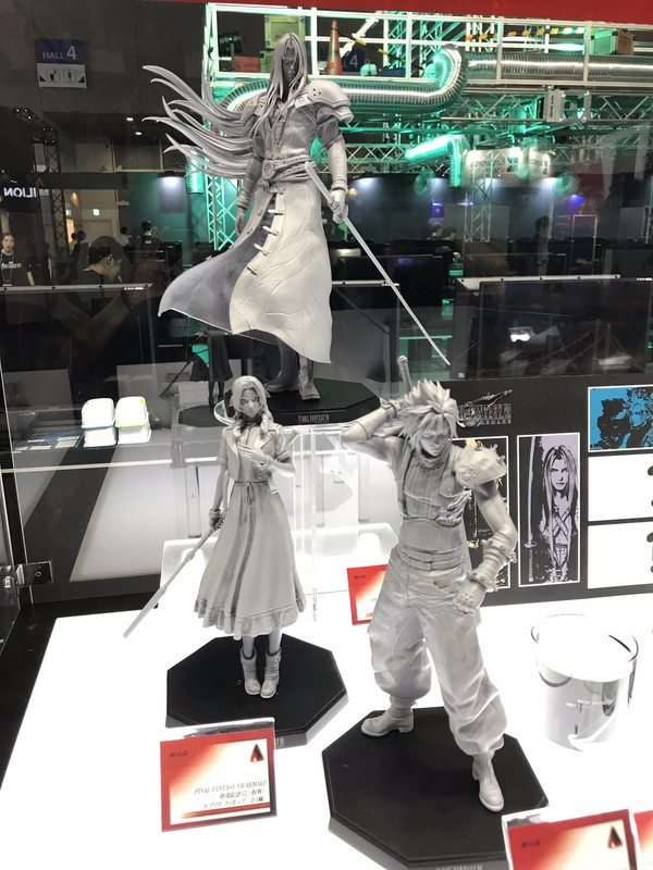 Final-Fantasy-VII-Remake-figure-Tokyo-Game-Show-Itakon.it-1.jpg