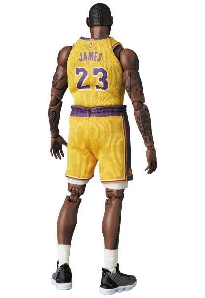 Link a LeBron James – NBA – action figure – Mafex – Medicom – 5