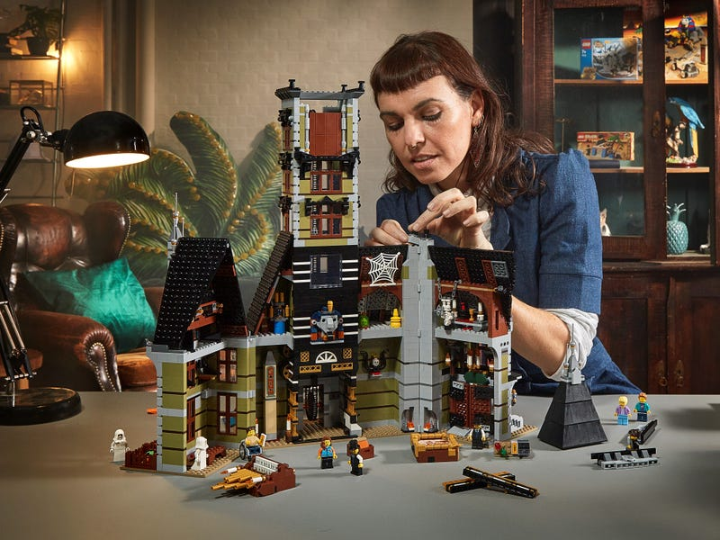 Link a LEGO_creator_La_casa_stregata_10273_Haunted_House-7