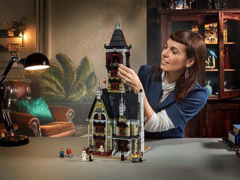 Link a LEGO_creator_La_casa_stregata_10273_Haunted_House-9
