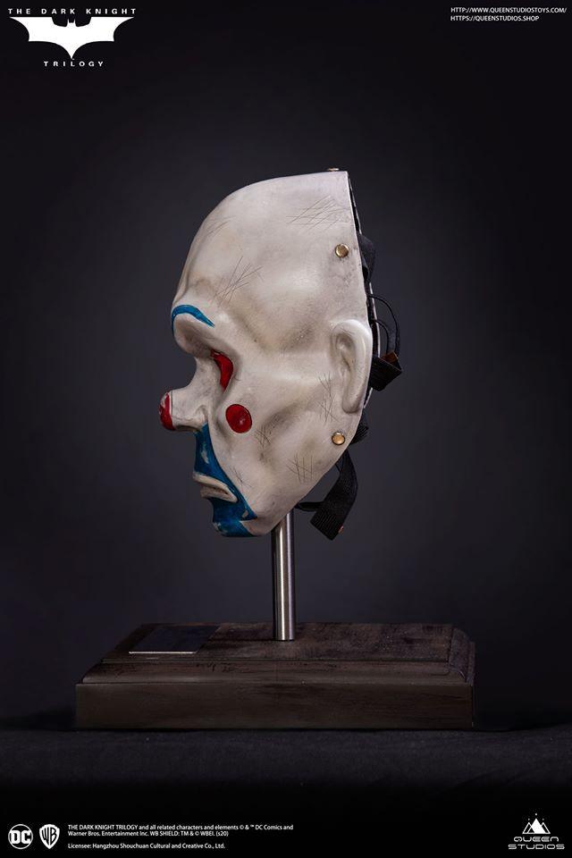 Link a Queen_Studios_joker_mask_replica-6