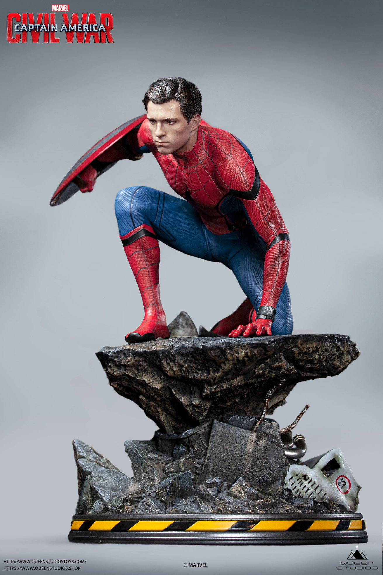 Link a Queen-Studios-Civil-War-Spider-Man-Statue-008