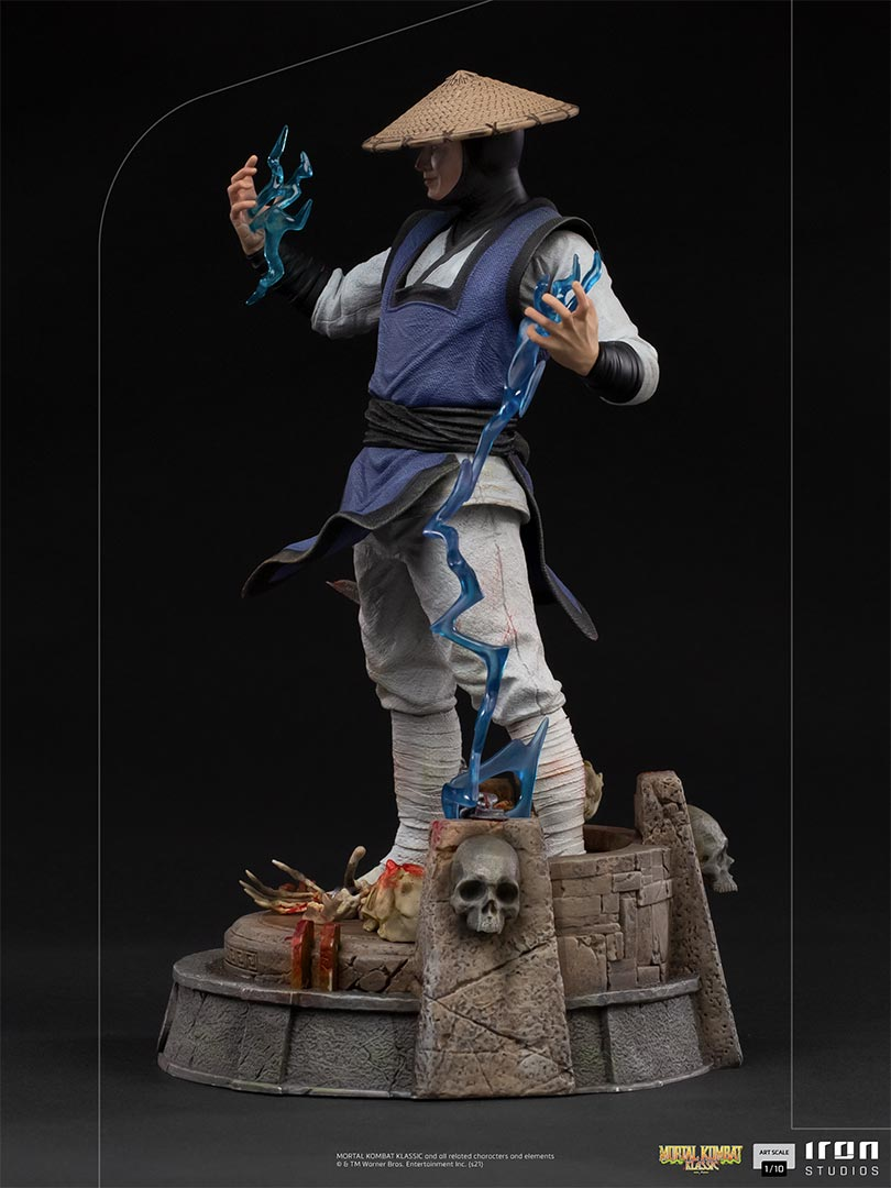 Link a Mortal Kombat_Raiden_Iron_Studios_Statue- (3)