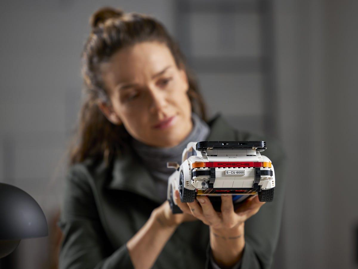 Link a Porsche 911 LEGO CREATOR – 1 (13)