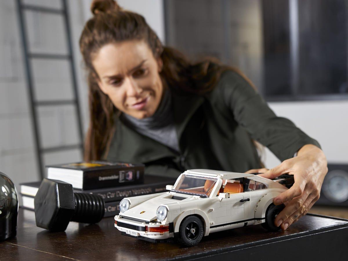 Link a Porsche 911 LEGO CREATOR – 1 (15)