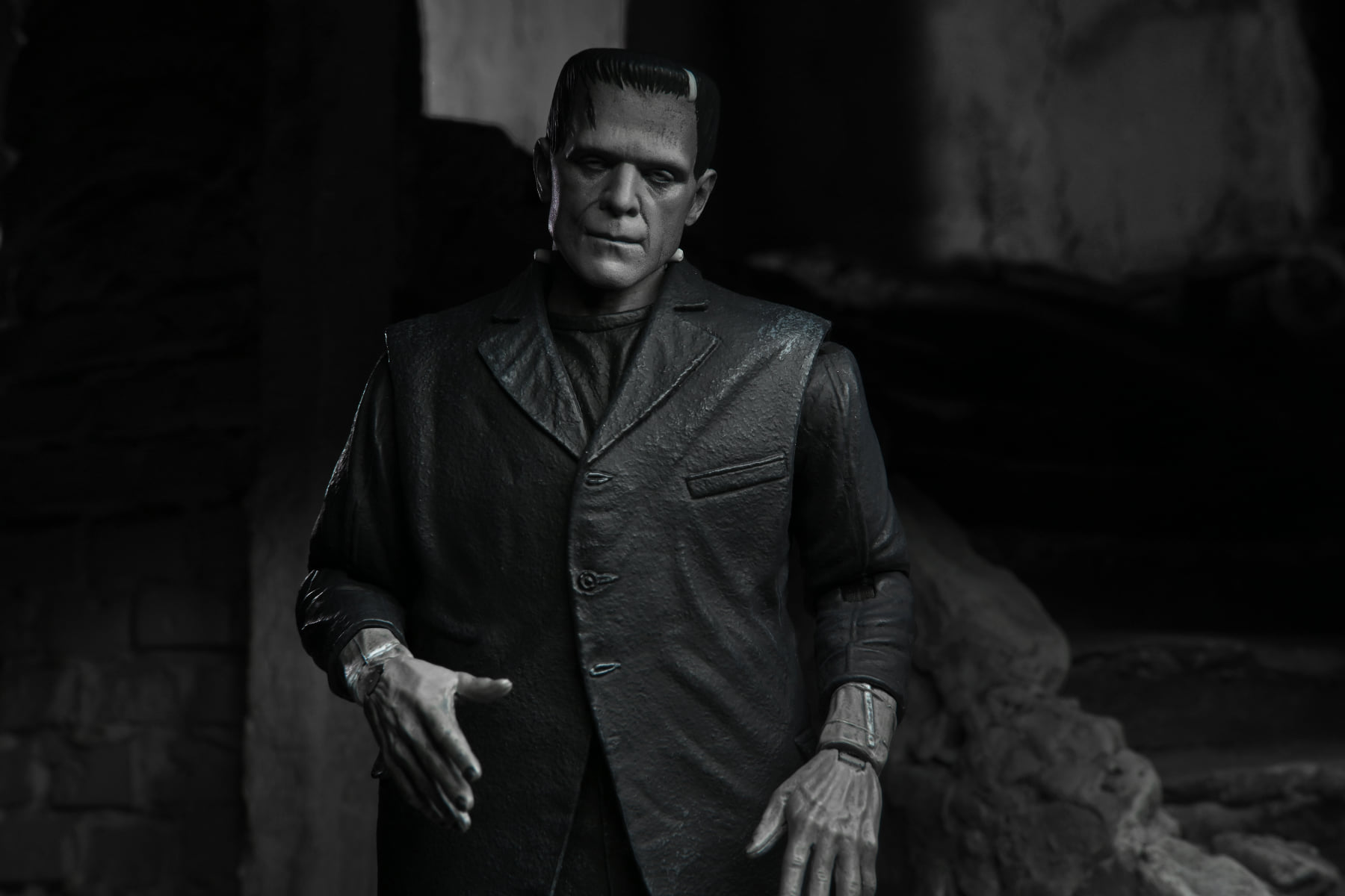 Link a NECA-Frankenstein-Monster-Universal- (8)
