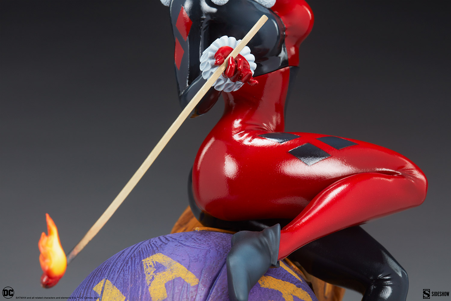 Link a Harley-Quinn-and-The-Joker-Diorama-Sideshow-DC-Statue- (12)