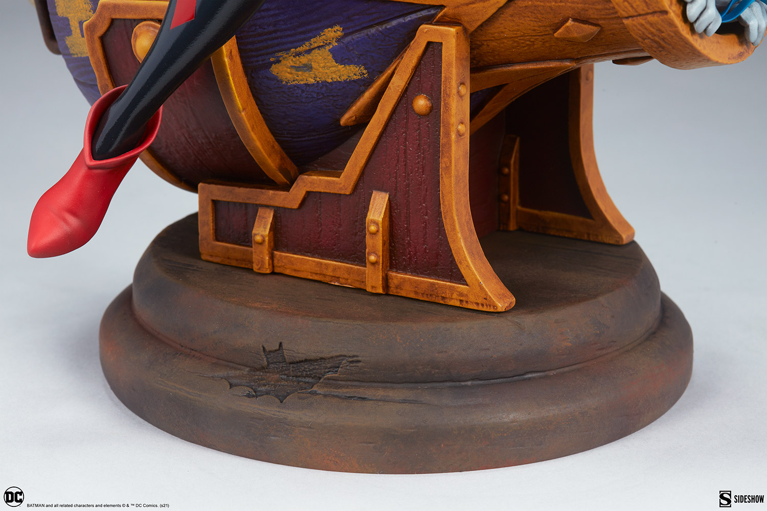 Link a Harley-Quinn-and-The-Joker-Diorama-Sideshow-DC-Statue- (14)