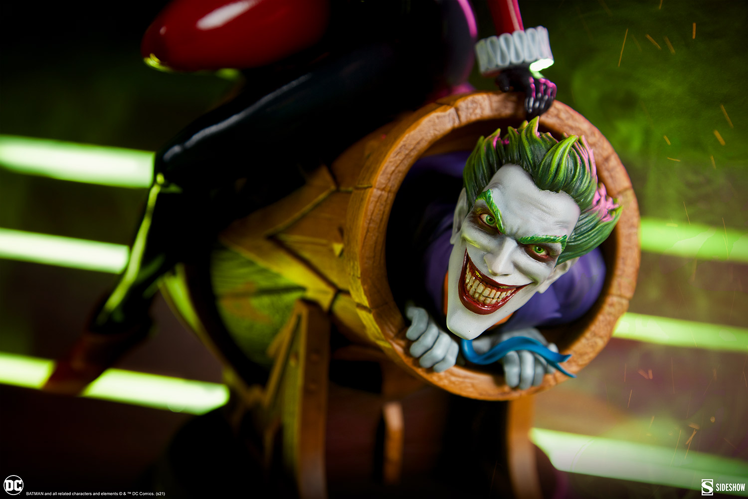 Link a Harley-Quinn-and-The-Joker-Diorama-Sideshow-DC-Statue- (19)