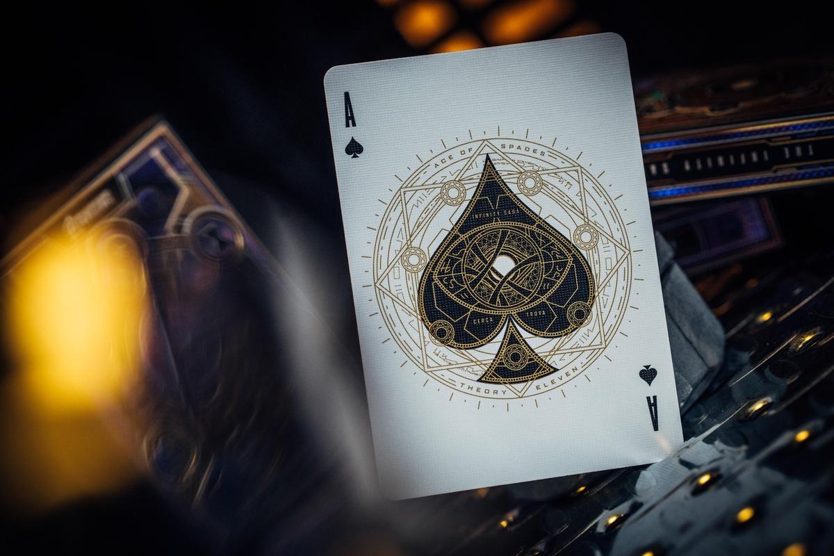 Link a Theory11_Avengers_Card_Carte da gioco (8)