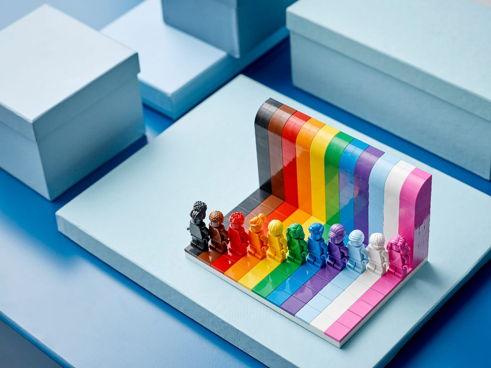 Link a LEGO Everyone is Awesome Il set 40516 celebra il Pride Month – (2)