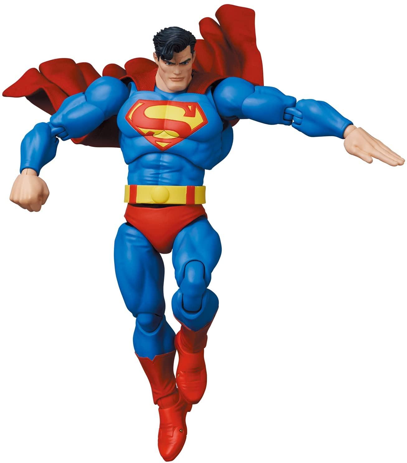 Link a Medicom_TDKR_Superman_04