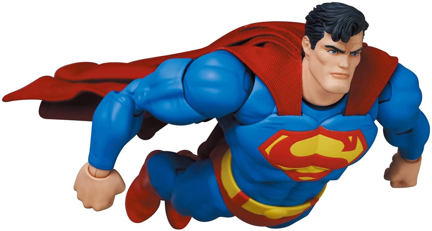 Link a Medicom_TDKR_Superman_06