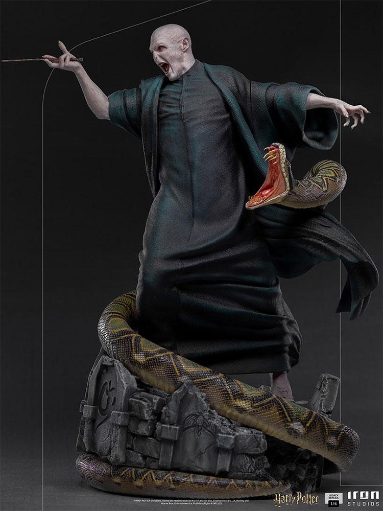 Link a Iron Studios_Voldemort and Nagini_03